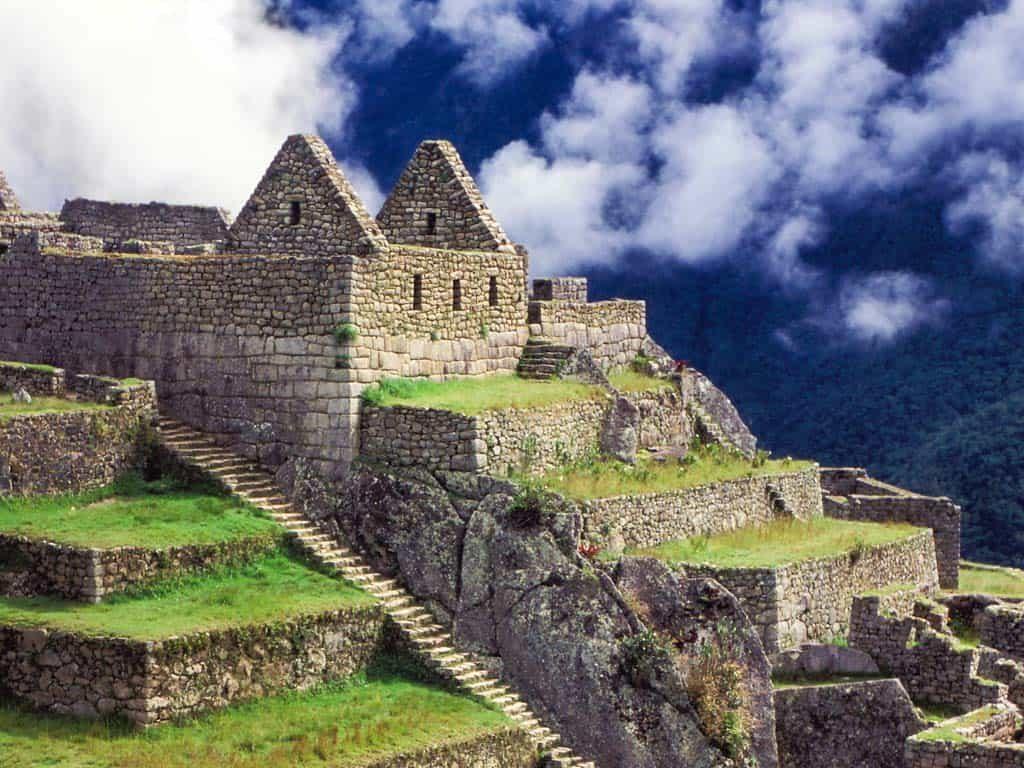 Machu-Picchu-Tours-Steps-Buildings-1024x768