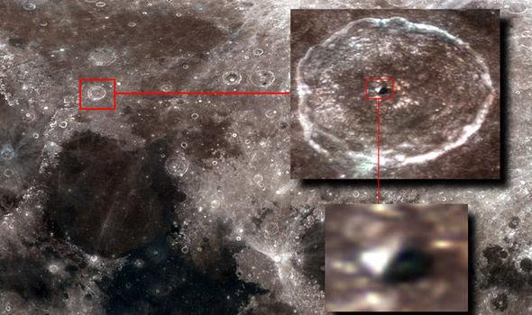Pyramid-Moon-847225
