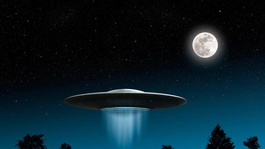 150701-strolhlic-ufo-tease_avkv8u