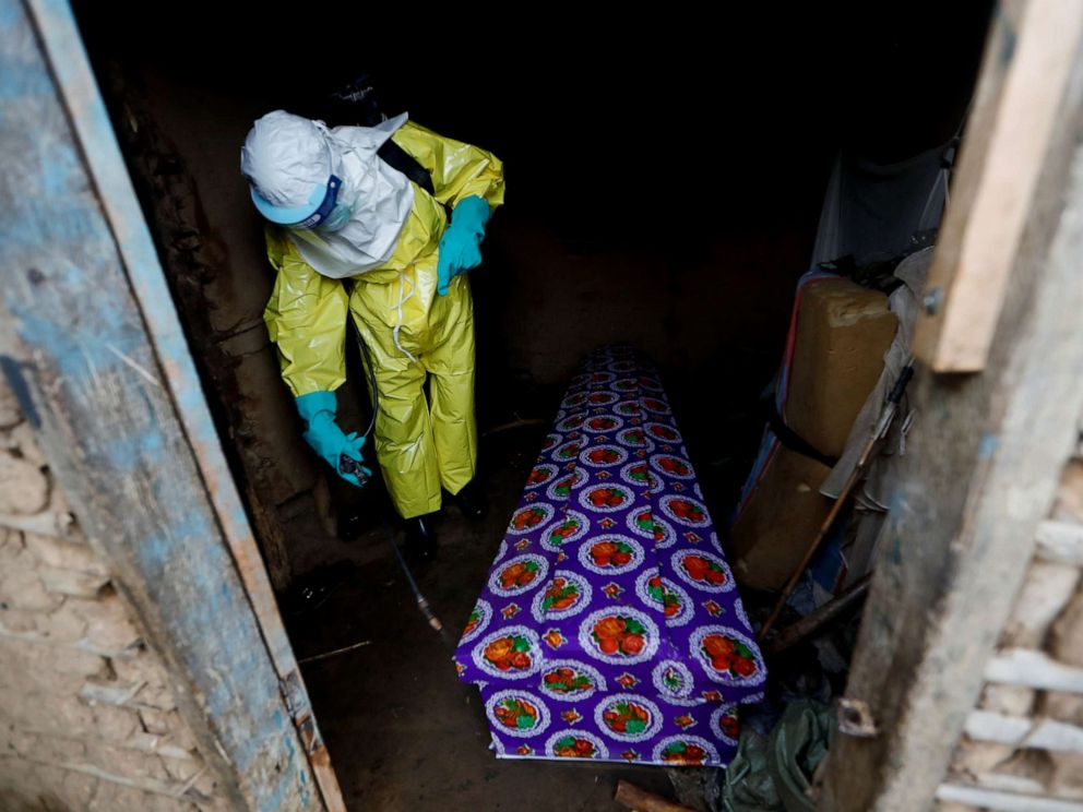congo-ebola-coffin-beni-191008_hpMain_20191104-075044_4x3_992
